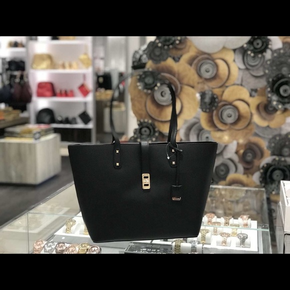 3e07419dfea0 MICHAEL Michael Kors Bags | Michael Kors Karson Large Black Carryall ...